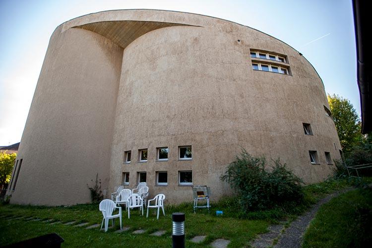 Fassadensanierung der katholischen Kirche auf dem Bruderholz in Basel